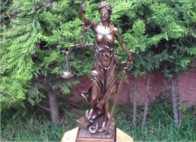 La diosa de la justicia