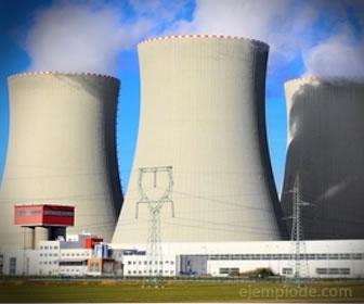 La energía nuclear se produce por uranio y no se puede renovar