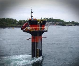 La energía mareomotris o undimotriz produce luz con la energía del mar