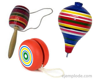 Los juegos tradicionales, trompo, balero, yoyo.