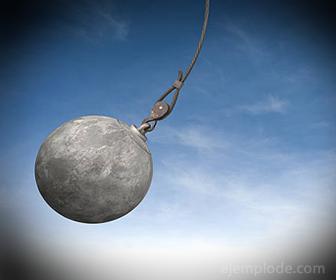 Segunda Ley de Newton en Bola de Demolición