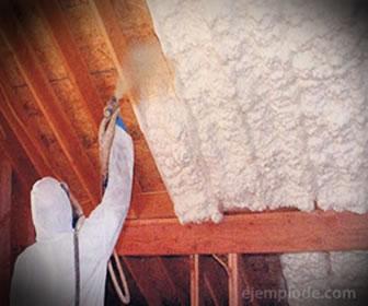 Esta espuma se utiliza para la construcción para aislar de humedad y temperatura.