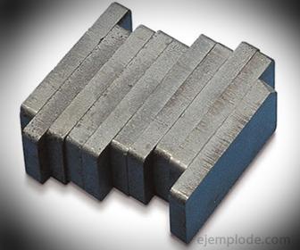 Material Alnico (Aluminio-Níquel-Cobalto)