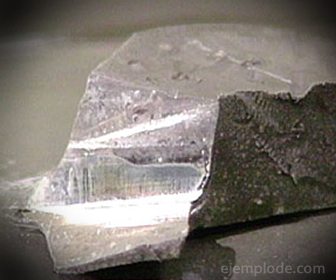 Sodio, Material Paramagnético