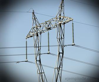 Diferencia de Potencial entre Cables Eléctricos