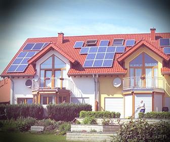 Ejemplo de Transformación de Energía, Paneles Solares en techo de casa.