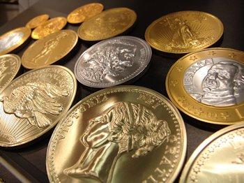 El dinero y sus características, monedas de oro y plata