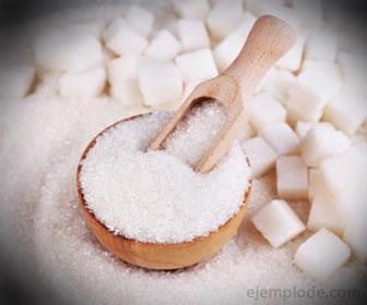 El azúcar es un compuesto orgánico, un carbohidrato