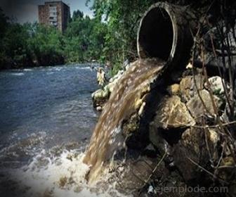 El agua de desecho urbano contiene grandes cantidades de materia orgánica putrescible
