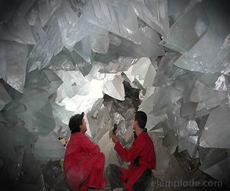 Cristales de Sulfato de Calcio formados naturalmente