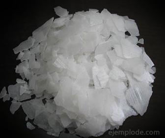 Ejemplo de Hidróxido: Hidróxido de Sodio