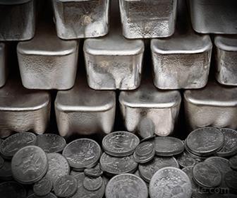 Plata utilizada en monedas y lingotes