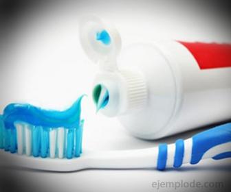 Pasta Dental, de constante uso en la vida cotidiana