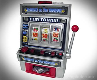 Las máquinas tragamonedas pueden dar un premio en forma aleatoria.