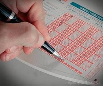 En la quiniela se eligen números que posteriormente pueden ser elegidos al azar.